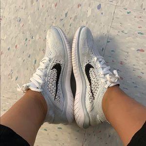 Nike knit free size 7